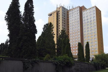 Slavný hotel Opatov: Nejistá budoucnost! Místo rekonstrukce půjde k zemi?