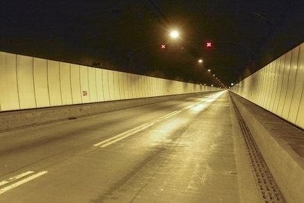 """Je Strahovský tunel nebezpečný? TSK se ohrazuje: """"Vyvoláváte paniku!"""