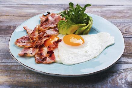 S nízkosacharidovou dietou, neboli keto dietou, se roztrhl pytel. Pokud máte rádi disciplínu, ve stravování upřednostňujete tuky a nebojíte se být ve vaření kreativní, pak je tato dieta vhodná i pro vás! Připravili jsme pro vás vzorový jídelníček, kterým vás inspirujeme k přípravě nízkosacharidových jídel.