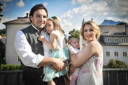 Dvojnásobný táta Adam Plachetka: S rodinou u Mozarta!