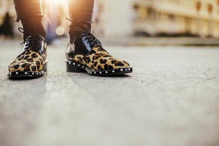 Zvířecí potisky se vracejí a na botách vypadají skvěle! Které právě najdete v obchodech?