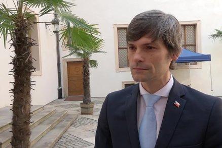 ODS se chytla s Hilšerem kvůli milionům: Vyčůraný tunelář. Právník nováčka brání