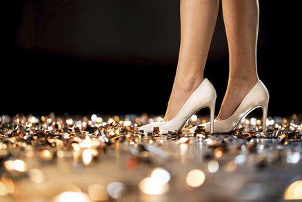 Boty nejen na vánoční večírky: V těchto budete královnou noci!
