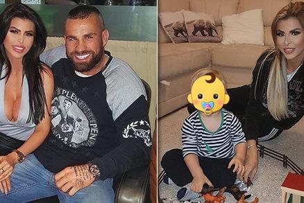 Bijce Vémolu vyděsila jeho silikonová panenka: Fotkou s dítětem!