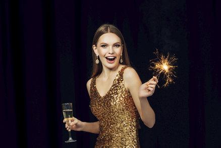Ty nejlepší šaty na silvestrovskou párty: Jaké se letos nosí?