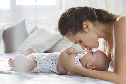 Mazlení ovlivňuje nejen psychiku dětí, ale mění i jejich geny! Jsou napřed!