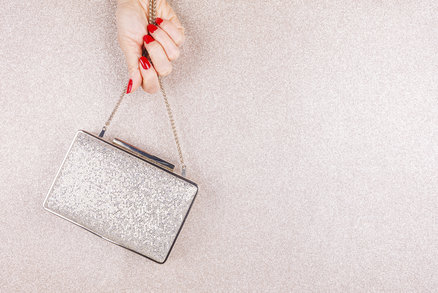 Psaníčka a kabelky: Unosíte je ke slavnostním šatům a po celý rok