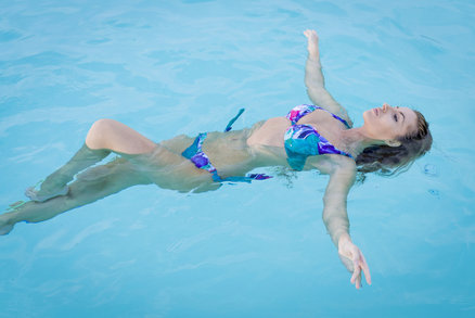 Wellness v Beskydech: 3 super tipy. Zaplavte si v moři, relaxujte v sudu, levitujte!
