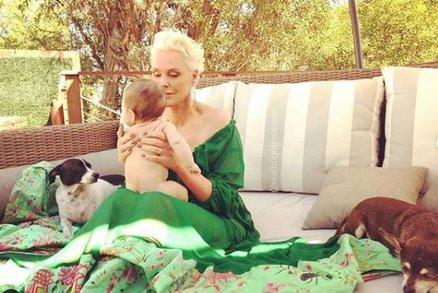 Herečka Brigitte Nielsen (54) porodila dceru! Rozdíl mezi sourozenci je 33 let