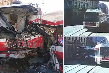 Tramvaj z krvavé srážky s trolejbusem opravují: Na koleje se vrátí po prázdninách