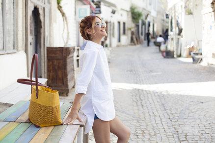 Nejlepší kabelka na léto? Vyberte si přírodní materiál nebo netradiční tvar!