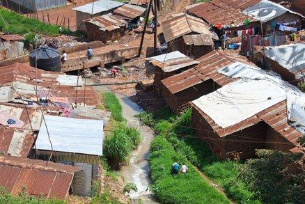 Řeka v Nairobi skrývala děsivé tajemství: Při úklidu bylo nalezeno 14 těl, hlavně dětských