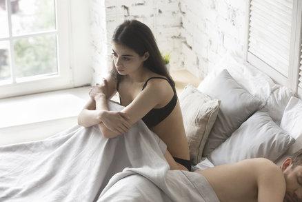 Nechce s vámi spát? Nejste sama! Tyhle ženy mají stejný problém!
