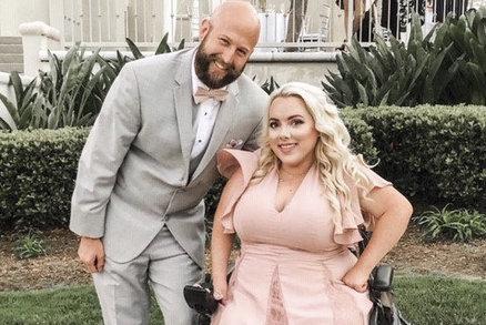Nikdo mě nechtěl, lásku jsem našla až na seznamce, říká dívka upoutaná na invalidní vozík