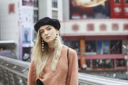 V jaké čepici letos zabodujete? Nosí se barety i kšilty, víme, kde je koupíte!