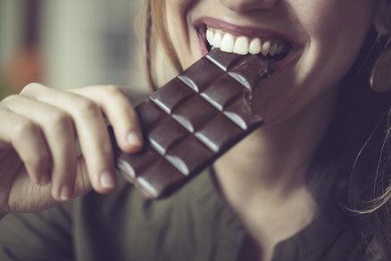 Jíte příliš mnoho cukru? Tyto příznaky vám napoví!