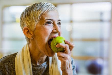 Citrusy se přeceňují, stačí česká jablka a hrušky, radí imunoložka Jaroslava Čiefová