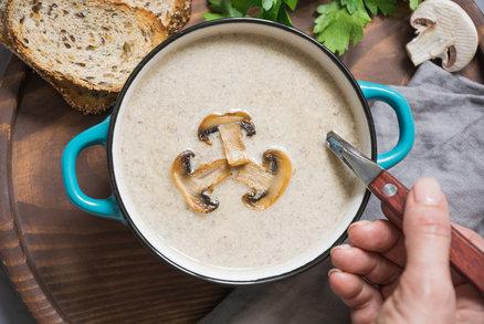 Recept na nejlepší žampionový krém: Verzi s kokosovým mlékem musíte ochutnat