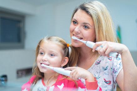 Víte, že výběr správného kartáčku a kvalitní ústní sprchy může zlepšit váš celkový zdravotní stav a dokonce prodloužit život?