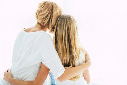 Vztah s mámou zásadně ovlivní život každé ženy! Neděláte tyto chyby?