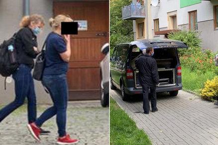 Záběry hrůzy z pražského Jarova: Mrtvou dvouměsíční holčičku odnášeli pohřebáci, matka s cigárkem odešla