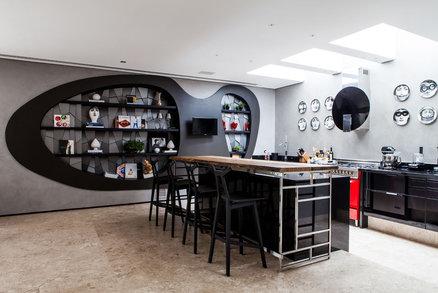 Domov jako dělaný pro společenská setkání mezi uměním a designem
