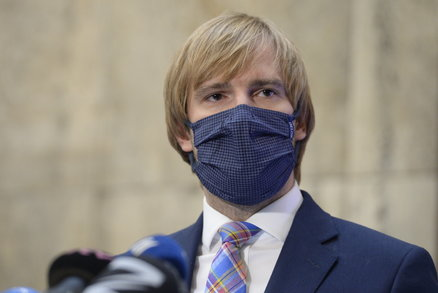 Čekáme na tiskovku: Vojtěch aktuálně o koronaviru. Co všechno ministr oznámí?