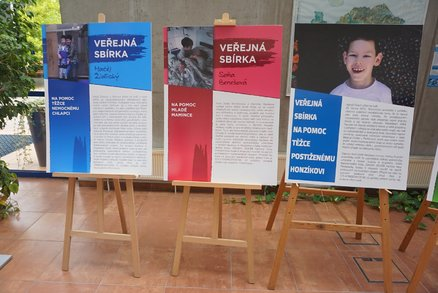 Soňa po nemoci ochrnula, pak jí zemřel muž na rakovinu: Karlovarský kraj pomáhá nemocným