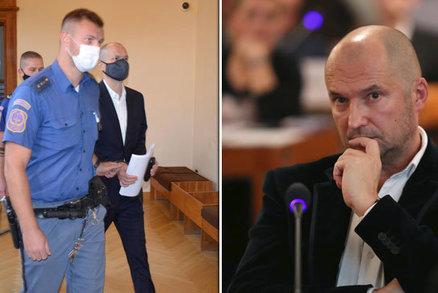 """Kauza Stoka u soudu: Politika Švachulu vedli v poutech, chtěli ho prý """"zaháčkovat"""" do Komety"""