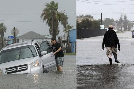 Texas bičuje bouře Beta, doprovází ji vichr a varování před vysokými vlnami