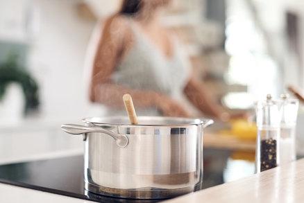 Víte, jak správně pečovat o nerezové nádobí? A co s nevzhlednými skvrnami?
