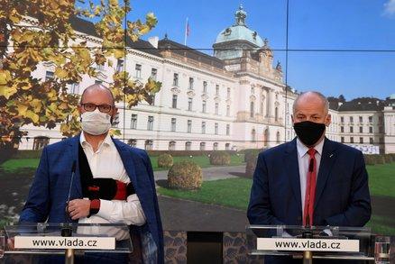 Čekáme na tiskovku: Vláda o vypnutí života v Česku. Co všechno na další týdny zavře?