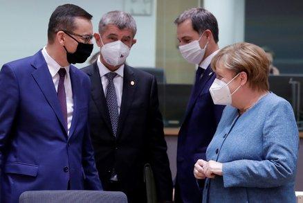 """Babiš na debatu ČT spěchal z Bruselu. Po """"řeži"""" s opozicí letěl zpět na jednání o Bělorusku"""