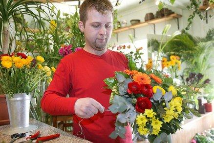 """""""Rána z milosti"""". Květinářství si necení, že mají otevřeno: Nemůžou čerpat podporu"""