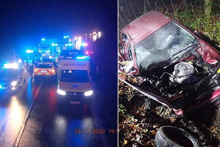 Při tragické nehodě na Zlínsku zemřely dvě ženy (†78 a †45): Zraněný řidič (78) doplatil zřejmě na mlhu