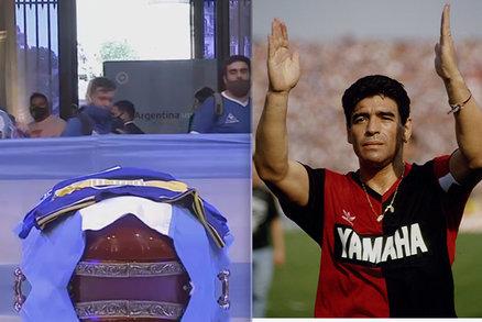 PŘÍMÝ PŘENOS: Zesnulému Maradonovi (†60) v rakvi se klaní celá Argentina!