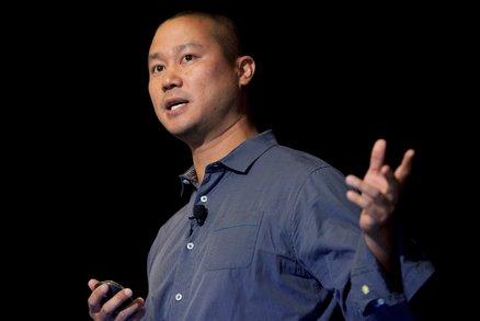 Zemřel miliardář Tony Hsieh (†46): Podlehl zraněním utrpěným při požáru