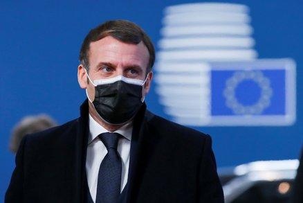 Koronavirus ONLINE: 10 tisíc mrtvých v ČR, testování ve Sněmovně a vláda chce delší stav nouze