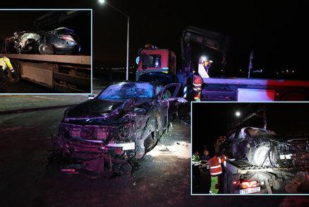 Dva mladíci (15 a 17) havarovali v Kolíně : Řidič nepřežil, spolujezdec skončil v nemocnici!