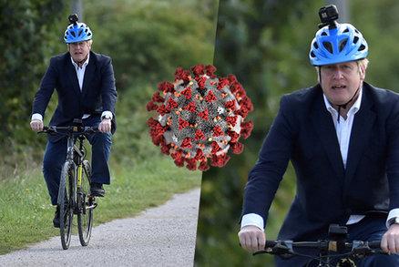 """Britové sedí doma """"pod zámkem"""", premiér brázdí ulice Londýna kole. Johnsona se zastali kolegové"""