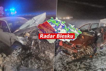 ONLINE: Bouračky a zavřené silnice. Na Česko se sype sníh, přidá se vichr, sledujte radar Blesku