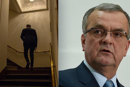 """""""Vtipný i tvrdý soupeř."""" Kalouska ocenil Hamáček, Babiš mlčí. Topolánek tasil idiota"""