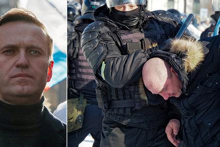 """""""Svobodu Navalnému!"""" Přes 2800 protestujících zadrženo v Rusku. I manželka opozičníka"""