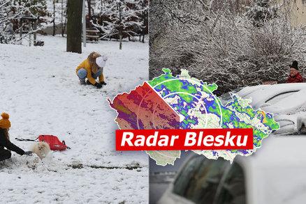 Arktická zima v Česku: Silná ledovka, sníh a mráz až 20 °C. Sledujte radar Blesku