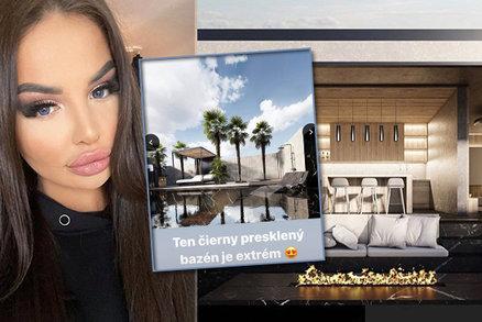Queen Plačková staví luxusní palác! Prosklený bazén, venkovní bar a všude černý mramor