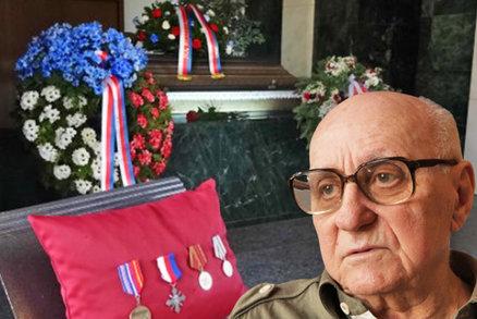 Poslední rozloučení s válečným veteránem Hladíkem (†93): Pohřbili ho na Olšanech