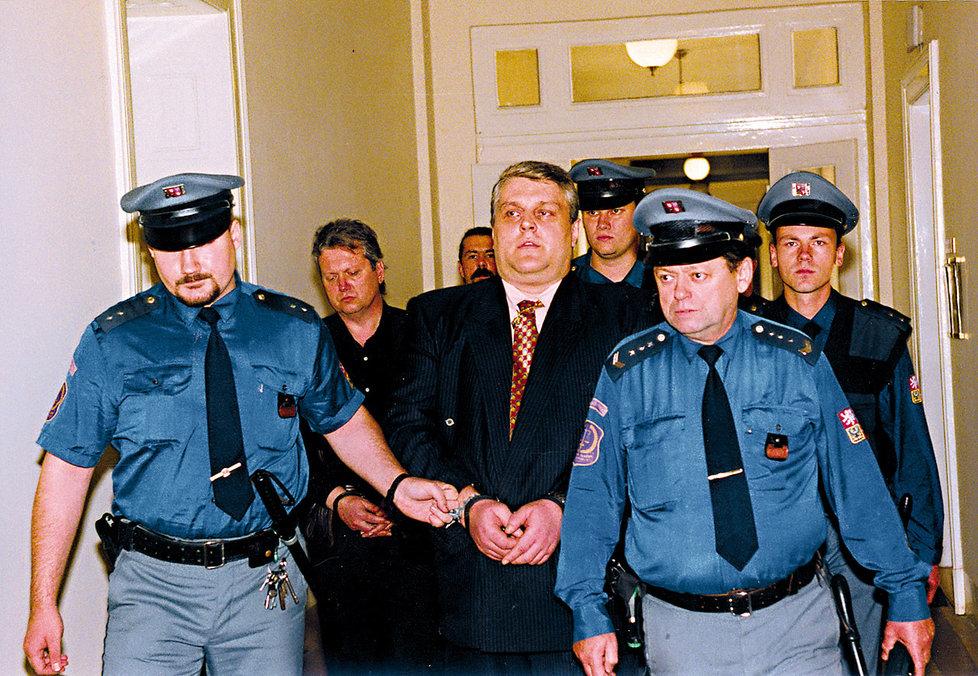 Soud Jonáka poslal na 18 let do vězení