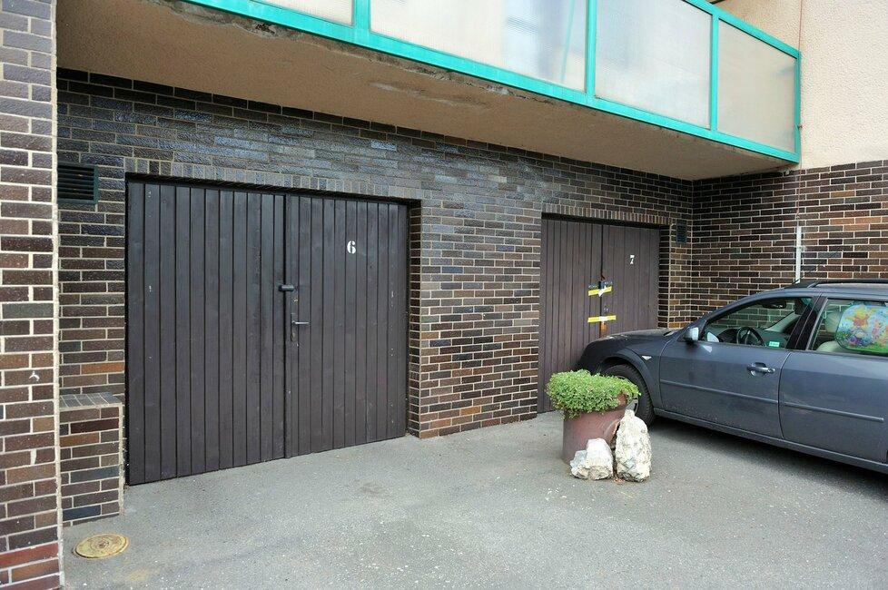 Pronajmout můžete i garáž