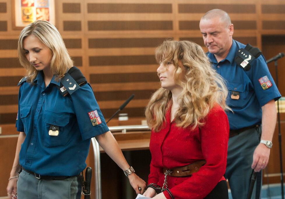 Šílená vražedkyně svých čtyř dětí dostala doživotí: Proti rozsudku se však odvolala