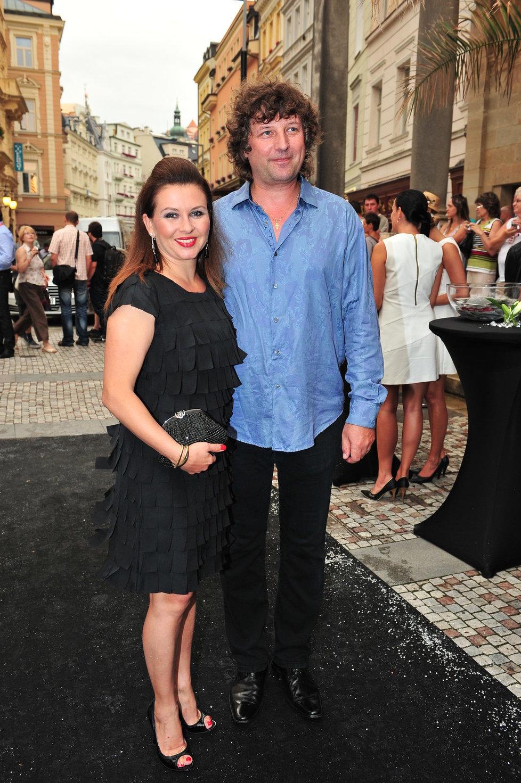 Dana Morávková (44) s manželem Petrem Maláskem (51) patří k nejstabilnějším párům českého šoubyznysu. Jsou spolu už 19 let.